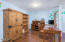 1235 NE Lakewood Dr, Newport, OR 97365 - Family room