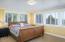 1235 NE Lakewood Dr, Newport, OR 97365 - Hall