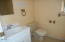 1032 NW Nye St, Newport, OR 97365 - Bathroom 1