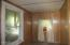 222 NW Nye St, Newport, OR 97365 - Entrance/mud room