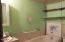 222 NW Nye St, Newport, OR 97365 - Bathroom