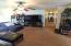 1204 SE 18th St, Toledo, OR 97391 - Light living room