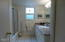 2510 NW Pacific St, Newport, OR 97365 - Bath 3
