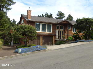 2510 NW Pacific St, Newport, OR 97365 - Front