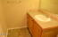 911 SW 12th St, Newport, OR 97365 - Bathroom 1