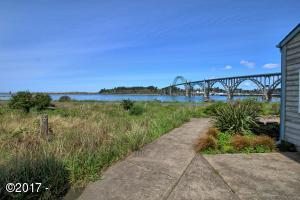232 SW 27th St, Newport, OR 97365 - 2
