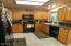 420 NW Sunset Blvd, Toledo, OR 97391 - Kitchen