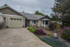 1325 SW Fairway Dr, Waldport, OR 97394 - Front of Home