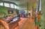 1325 SW Fairway Dr, Waldport, OR 97394 - Living room