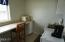 4419 SW Beach Avenue, Lincoln City, OR 97367 - Kitchenette