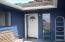 1098 NE 7th Dr, Newport, OR 97365 - sunny Entry Porch