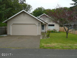 6826 SW Inlet Ave, Lincoln City, OR 97367 - Front View