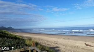 4175 N Hwy 101, M-1, Depoe Bay, OR 97341 - Direct beach access