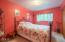 585 NW Aspen St, Toledo, OR 97391 - Bedroom 2