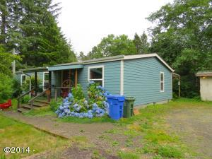 578 NE Wyoming St, Yachats, OR 97498 - Front Of The Home