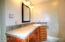 167 NE 1st St, Toledo, OR 97391 - Apartment Bath 1