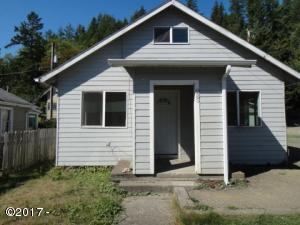 883 NW A St, Toledo, OR 97391 - DSC02845883