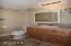 125 SE Bay St, Depoe Bay, OR 97341 - Rental Bathroom