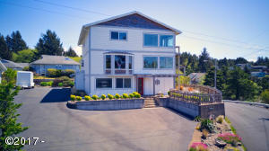 125 SE Bay St, Depoe Bay, OR 97341 - Front view