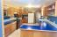 1643 SE Alder Way, Toledo, OR 97391 - Kitchen