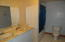 675 SE Keel Ave, Lincoln City, OR 97367 - Upstairs Bath