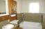 1440 NE 12th St, Lincoln City, OR 97367 - Bathroom