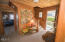 2513 NW Inlet Ave, Lincoln City, OR 97367 - Entry Way