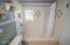2513 NW Inlet Ave, Lincoln City, OR 97367 - Upstairs Bathroom
