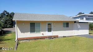 1545 NW 30th St., Lincoln City, OR 97367 - Curbside
