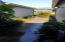 96 Nw 33rd Place, #B, Newport, OR 97365 - Walk-way