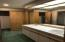4686 Windward Place, Lincoln City, OR 97367 - Lower Level Master Bath