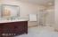 24 Catkin Loop, Yachats, OR 97498 - Bathroom