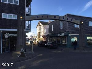 704 NW Beach Dr, Newport, OR 97365 - Commercial Condo