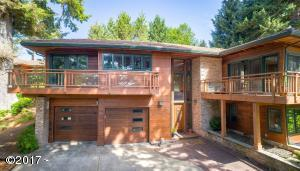 754 NW Highland Dr, Waldport, OR 97394 - Grand Entry! Gorgeous Home