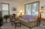 196 Ne 57th Street, Newport, OR 97365 - Living Room