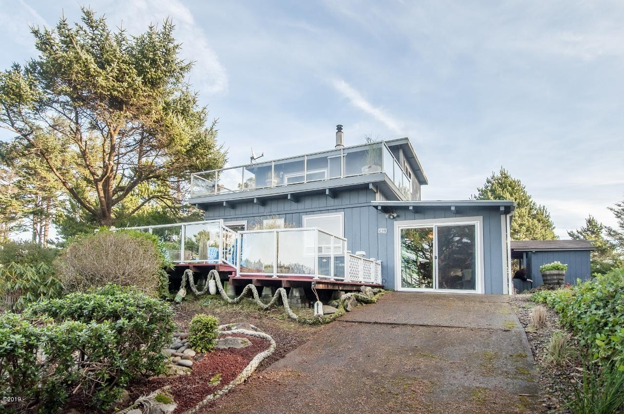 5623 SW Neal Ave., Waldport, Oregon