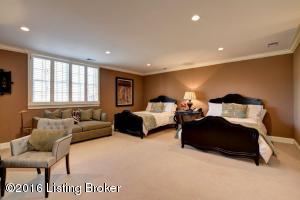 15 RIVER HILL RD, LOUISVILLE, KY 40207  Photo
