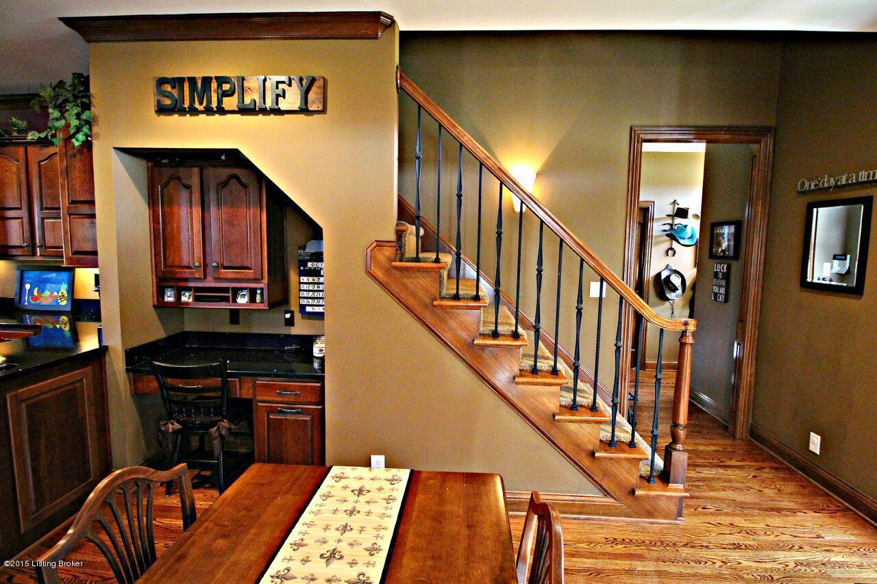 3661 Taylorsville Rd, Shelbyville, Kentucky 40065, 6 Bedrooms Bedrooms, 15 Rooms Rooms,6 BathroomsBathrooms,Residential,For Sale,Taylorsville,1469709