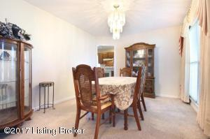 4805 RED DAWN DR, LOUISVILLE, KY 40216  Photo