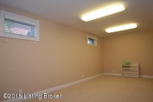 2218 HIGHLAND SPRINGS PL, LOUISVILLE, KY 40245  Photo