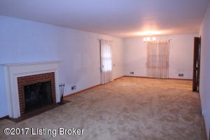 7015 WOODHAVEN RD, LOUISVILLE, KY 40291  Photo
