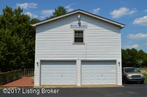 7607 E MANSLICK RD, LOUISVILLE, KY 40228  Photo