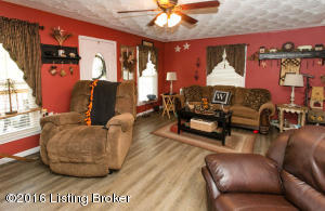 135 OLD RD, LOUISVILLE, KY 40229  Photo