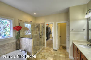 221 NOTTING HILL BLVD, LOUISVILLE, KY 40245  Photo