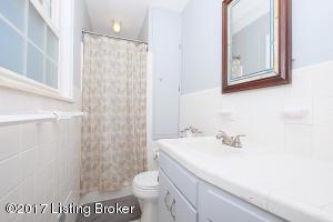 2257 BRADFORD DR, LOUISVILLE, KY 40218  Photo