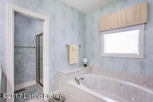 3207 RIDGE BROOK CIR, LOUISVILLE, KY 40245  Photo