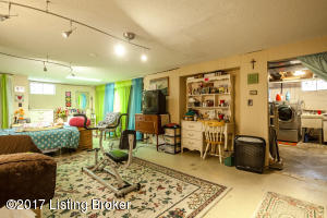 9504 FERN CREEK RD, LOUISVILLE, KY 40291  Photo