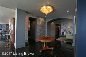 222 E WITHERSPOON ST #2001, LOUISVILLE, KY 40202  Photo