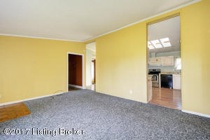 6723 AIKEN RD, LOUISVILLE, KY 40245  Photo