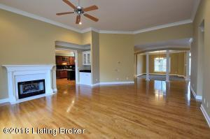 301 LANAI CT, LOUISVILLE, KY 40245  Photo